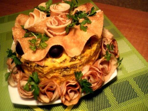 Закусочний млинцево-печінковий торт