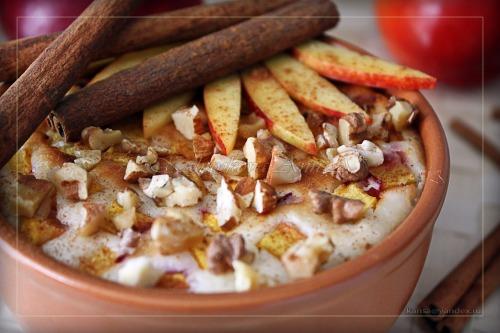 Ніжний десерт з нектарина з йогуртово-сирним кремом