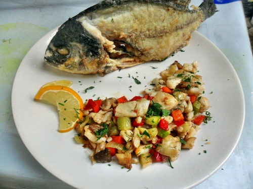 Dorada with vegetables