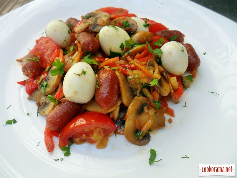 Lecho with smoked sausage Pikolini and quail eggs