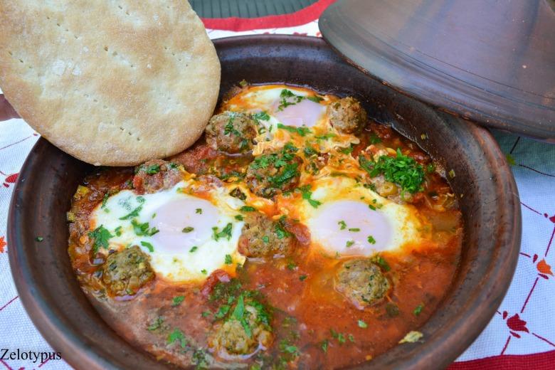 Тажин с кефта и марокканскими лепёшками