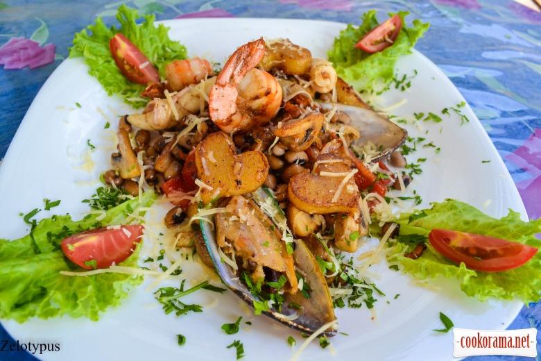 Рагу с овощами, морепродуктами, и с фасолью «Чёрный глаз»