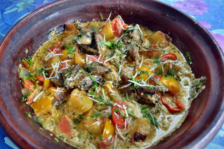 Жаркое из дроздов, в тажине, в сливочно-медовом соусе, с сыром Пекорино романо
