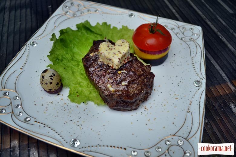 Говяжий стейк, с горчичным маслом