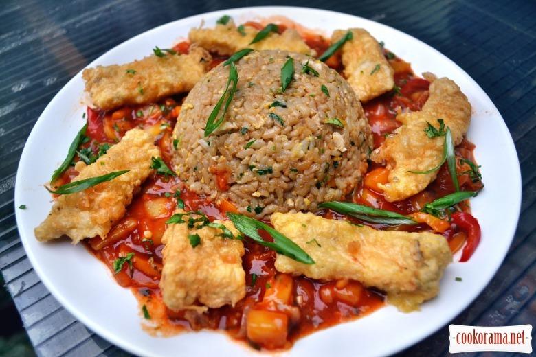 Камбала в кляре, в кисло-сладком соусе, с пикантным рисом