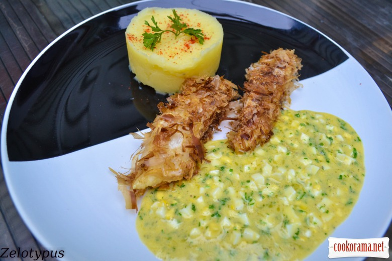 Pike-perch baked in tuna chips, with mashed potatoes and Polish sauce