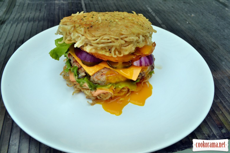 Ramen burger with chopped chicken cutlet