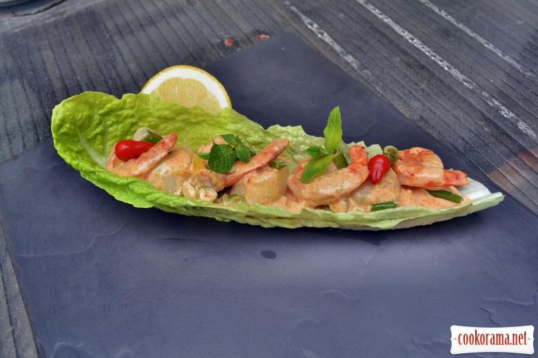 Креветки и гребешок, приготовленные в азиатском стиле, в сливочном соусе