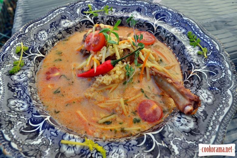 Сливочно-мятный суп с ягненком и булгуром