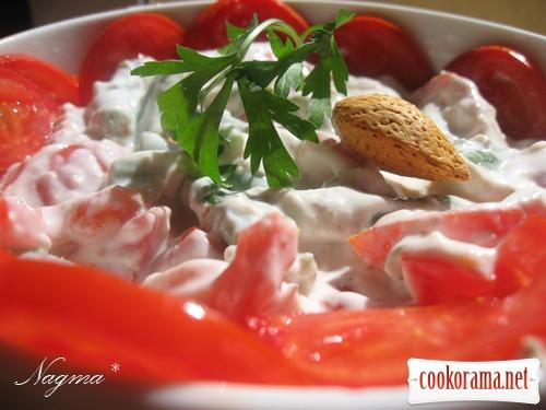 Салат із зеленої квасолі з помідорами