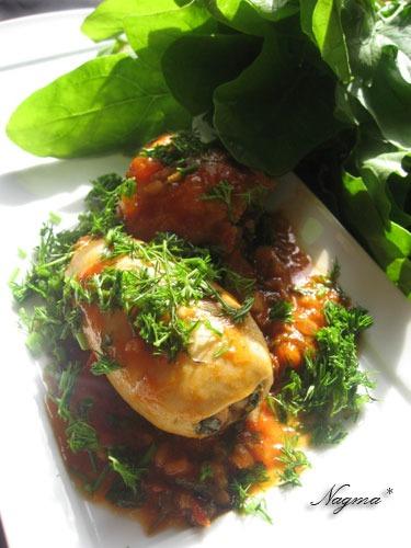 Кальмары, фаршированные рисом и шпинатом