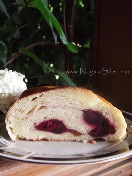 Хліб З Вишнею, Родзинками І Горіхами