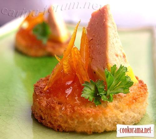 Крутони з foie gras