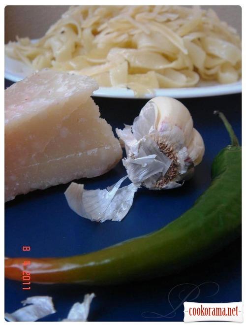 Тальятелле с оливково-чесночным маслом