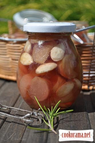 Персиково-розмариновое варенье с миндалём