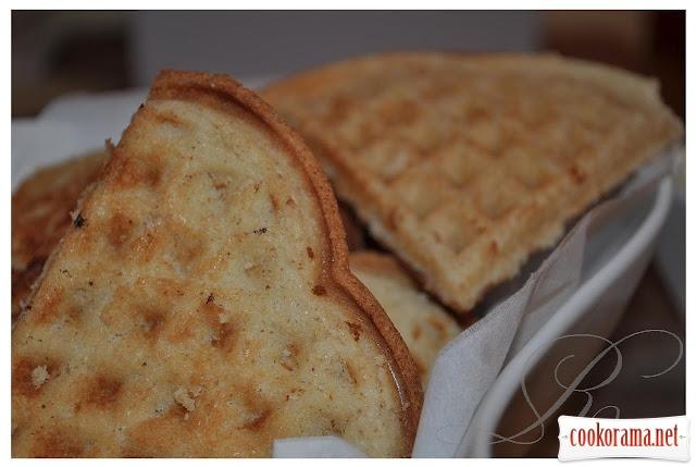 Делікатесні горіхові вафлі (в ел./вафельниці)