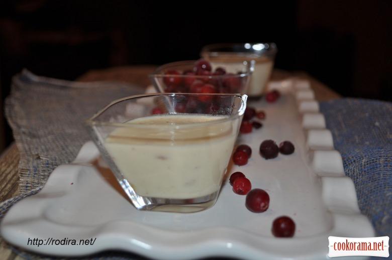 Вершково-шоколадний крем з перцем і ягідним соусом