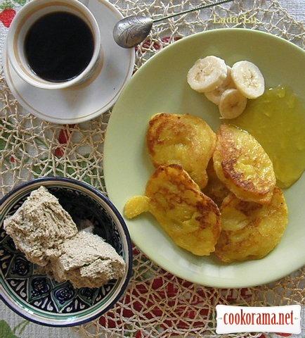 Гарбузові оладки з варенням з кульбаб на сніданок