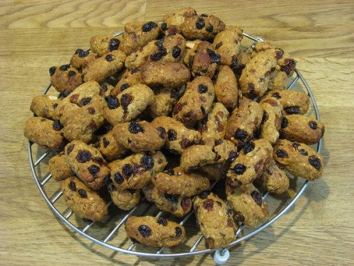 Овсяное печенье с сухофруктами и миндалем