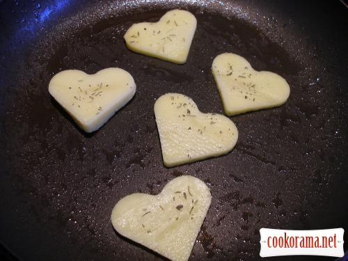 Сьомга в картоплі