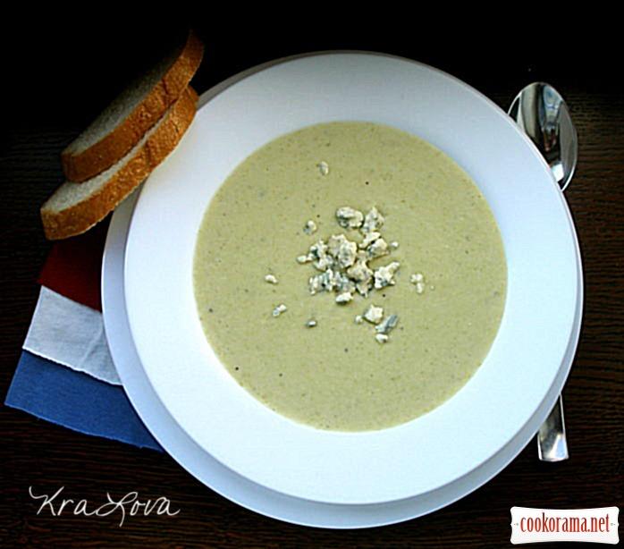 Луковый суп-пюре с голубым сыром
