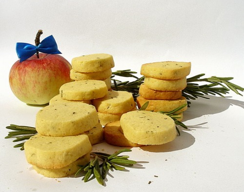 Butter-rosemary cookies
