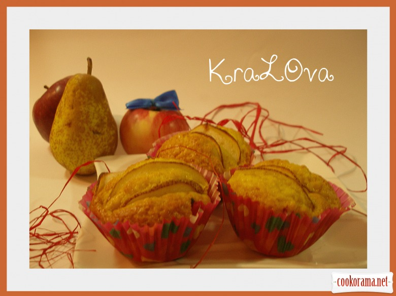 Яблучно-ванільні кекси з грушами