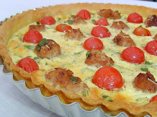 Quiche with cherry tomatoes and meat balls