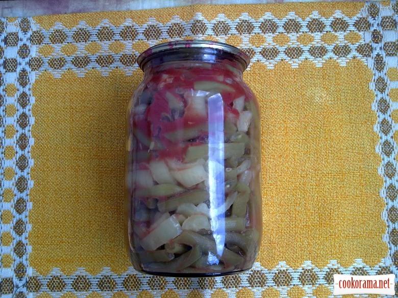 Консервированная спаржевая фасоль с перцем