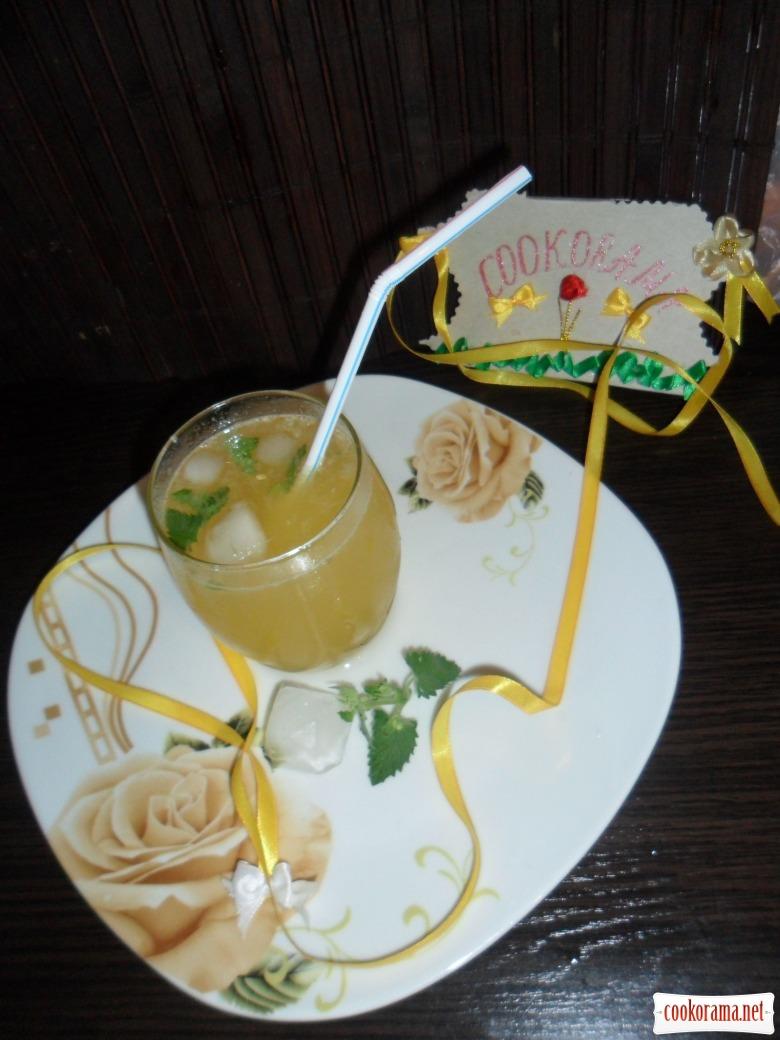 Лимонно-персиковый сок с нотками ванили