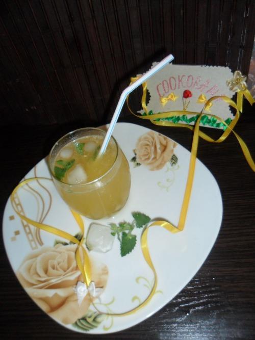 Лимонно-персиковий сік з нотками ванілі