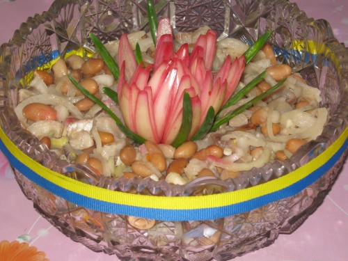 Salad from herring and beans