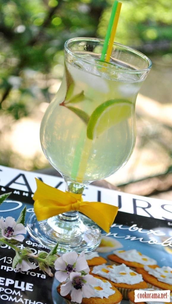 Освіжаючий напій з кабачків