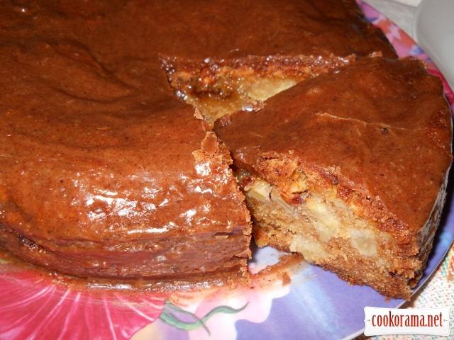 Вологий яблучний пиріг з коричним топінгом