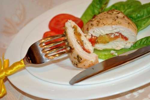 Chicken envelopes with cheese and tomatoes