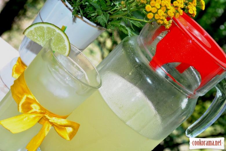Імбирний лимонад з м'ятою