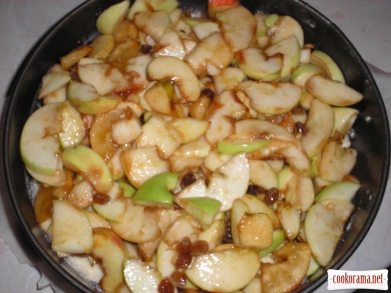 Трансильванський пиріг з яблуками