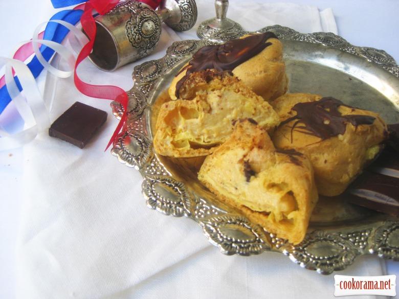 Эклеры с ореховым кремом «Пралине»