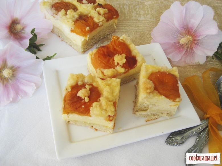 Apricot-curd pie