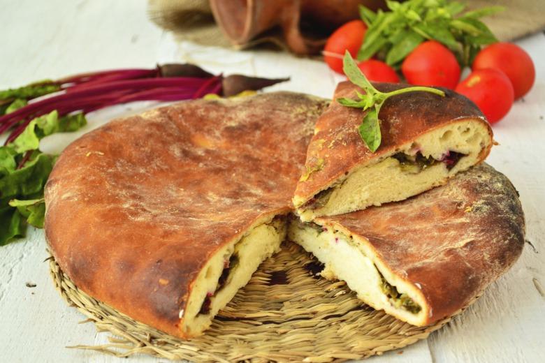 Цахараджин - осетинські пироги з буряковим листям і сиром