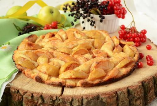 М'ятий яблучний пиріг