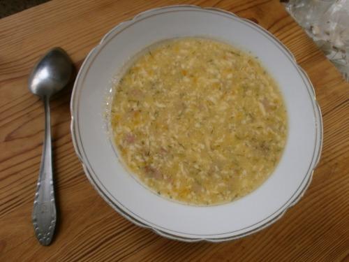 Суп ковбасний з сиром