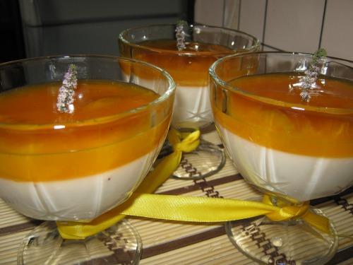 """Йогуртно-абрикосовий десерт """"Помаранчевий настрій"""""""
