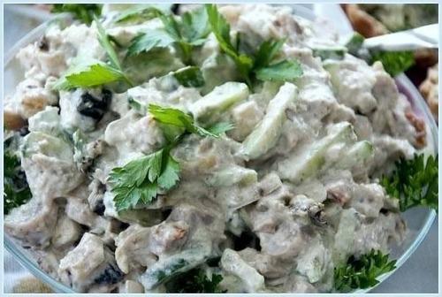 Зеленый салат (легкий и сытный)