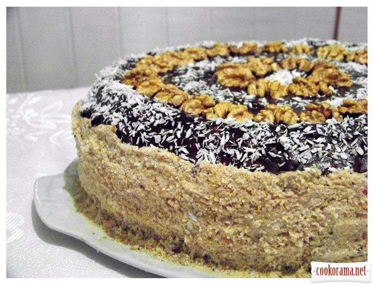 Торт горіховий (без муки) з горіховим безе