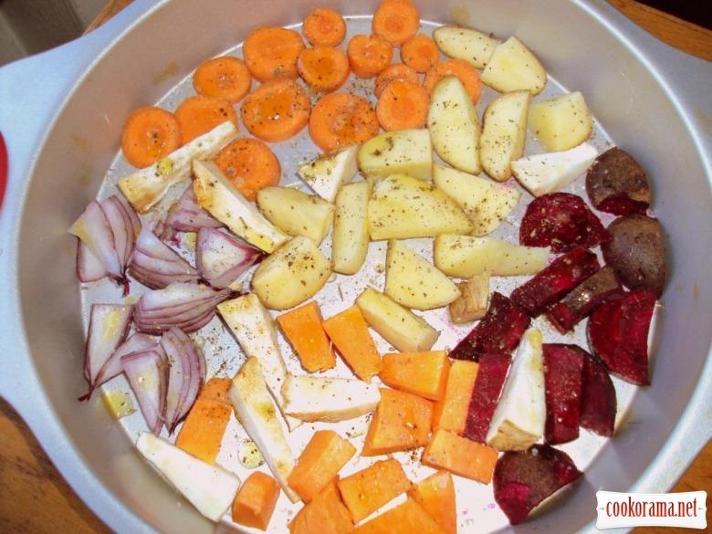 Теплий зимовий салат з гарбузом