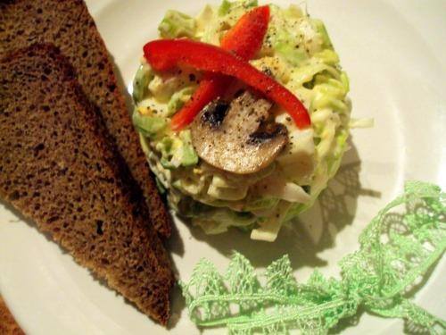 Салат з цибулі-порею