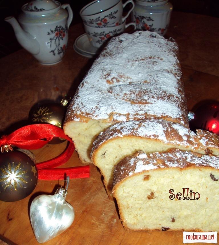 Норвезький кекс з цукатами і кардамоном