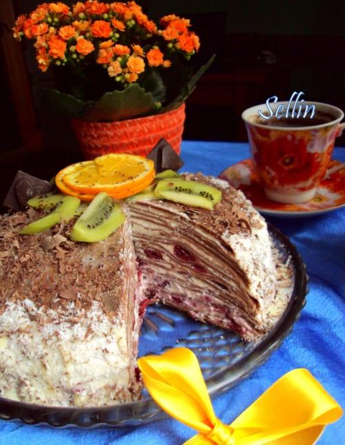 """Шоколадний тортик з млинців а-ля """"Чорний ліс"""""""