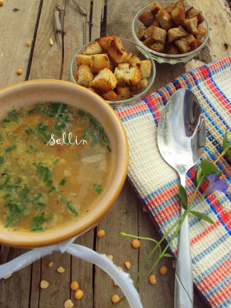 Класичний гороховий суп